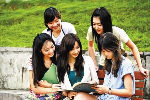 文化引领技能型人才培养 深职院关工委坚持文化育人促进大学生健康成长